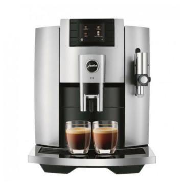 Jura E8 Silver automata kávéfőző ezüst színben 17 különféle kávéital elkészítéséhaz